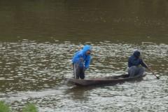Pescadores flagram grupo fechando o Rio Cuiaba com redes em Varzea Grande-MT 2