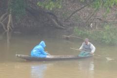 Pescadores flagram grupo fechando o Rio Cuiaba com redes em Varzea Grande-MT 5
