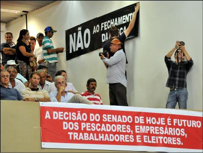 Pescadores participam de votacao de projeto em Campo Grande-MS