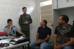 Pescadores vao ate a PMA de Manaus cobrar uma posicao sobre o video no Rio Apuau