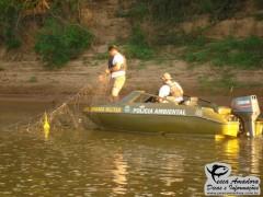 Policia Ambiental recolhe rede de pesca durante fiscalizacao  (Foto Divulgação: Patram-RS)