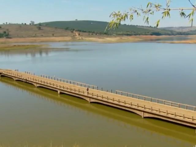 Ponte de Tres Pontas-MG reapareceu com a seca do lago de Furnas