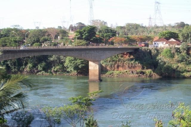 Ponte sobre o Rio Grande na divisa entre Sao Paulo e Minas Gerais - Fronteira-MG