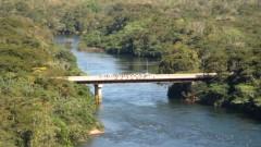 Pescadores pescam da ponte sobre o Rio Manso MT (Foto: Panorâmio)