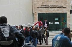 Protesto em frente o MPA de Santa Catarina