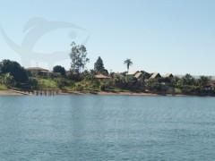 Ranchos as margens do rio Grande em Cassia-MG