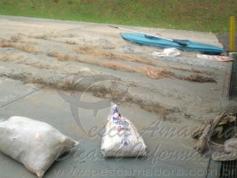 Redes de pesca apreendidas no Rio Ivai-PR