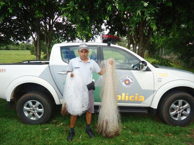 Redes de pesca apreendido pela PMA no rio Parana