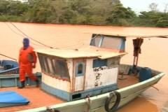 Rejeitos chegam ao mar e preocupa quem vive da pesca e do turismo no ES 2