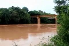 Rio Sao Francisco - Travessia ponte entre Bambui e Guatama (Jan-2016)