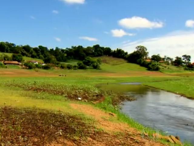 Seca em Minas Gerais afeta Lago de Furnas 2