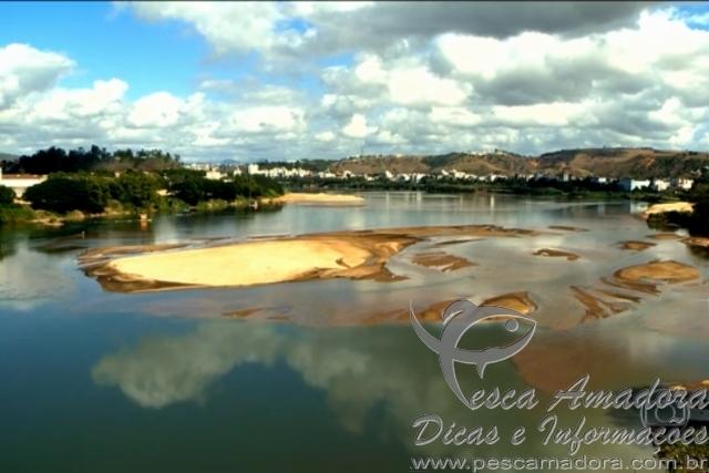 Seca faz a Foz do rio Doce que nasce em MG mudar de lugar ao desaguar no ES