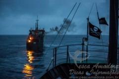 Thunder navio pirata de pesca ilegal sendo perseguido em Sao Tome e Principe