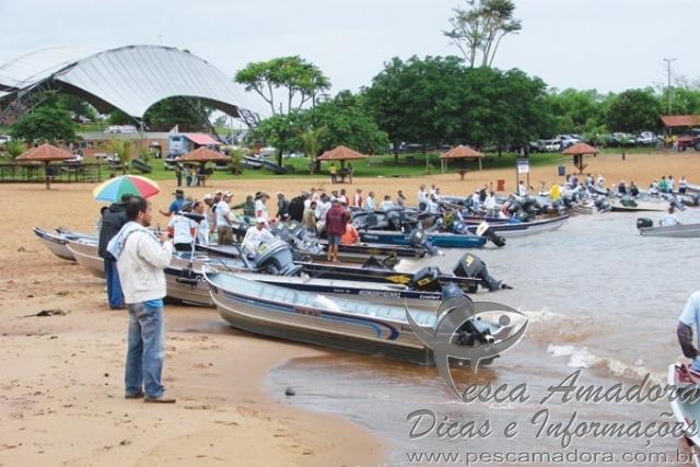 Torneio de pesca em Presidente Epitacio-SP