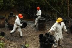 Vazamento de oleoduto no Peru polui dois rios da Amazonia  3