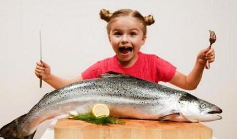crianca deve comer mais peixe