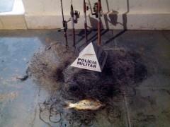 redes e varas de pesca apreendidos pela PM de Ibia-MG