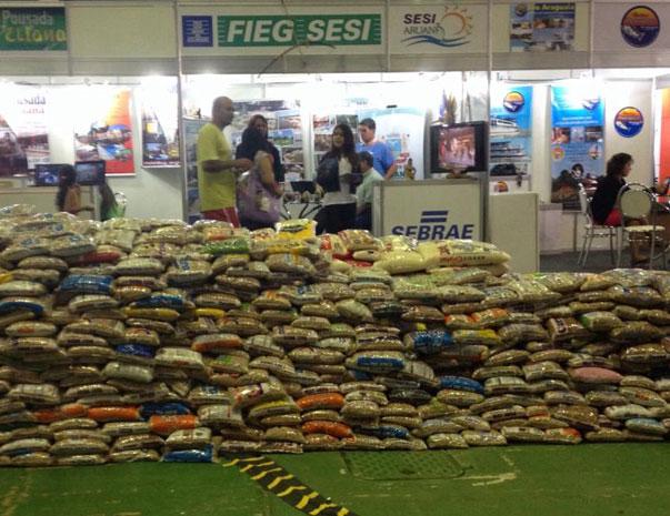 9de767ad62 Tres mil toneladas de alimentos não pereciveis foram arrecadados no evento